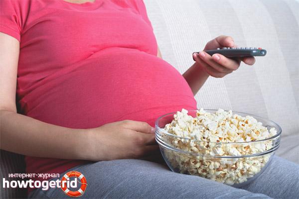 Можно ли беременным есть попкорн