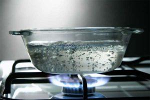 Насколько полезной остается вода после повторного кипячения